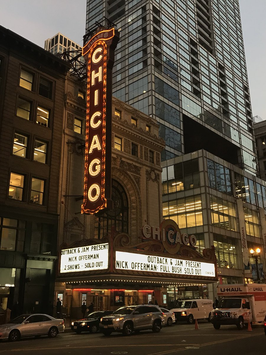 THANK YOU @ChicagoTheatre for tonight we will #FlyTheW #FullBush #HugBeforePunch #iLoveYou