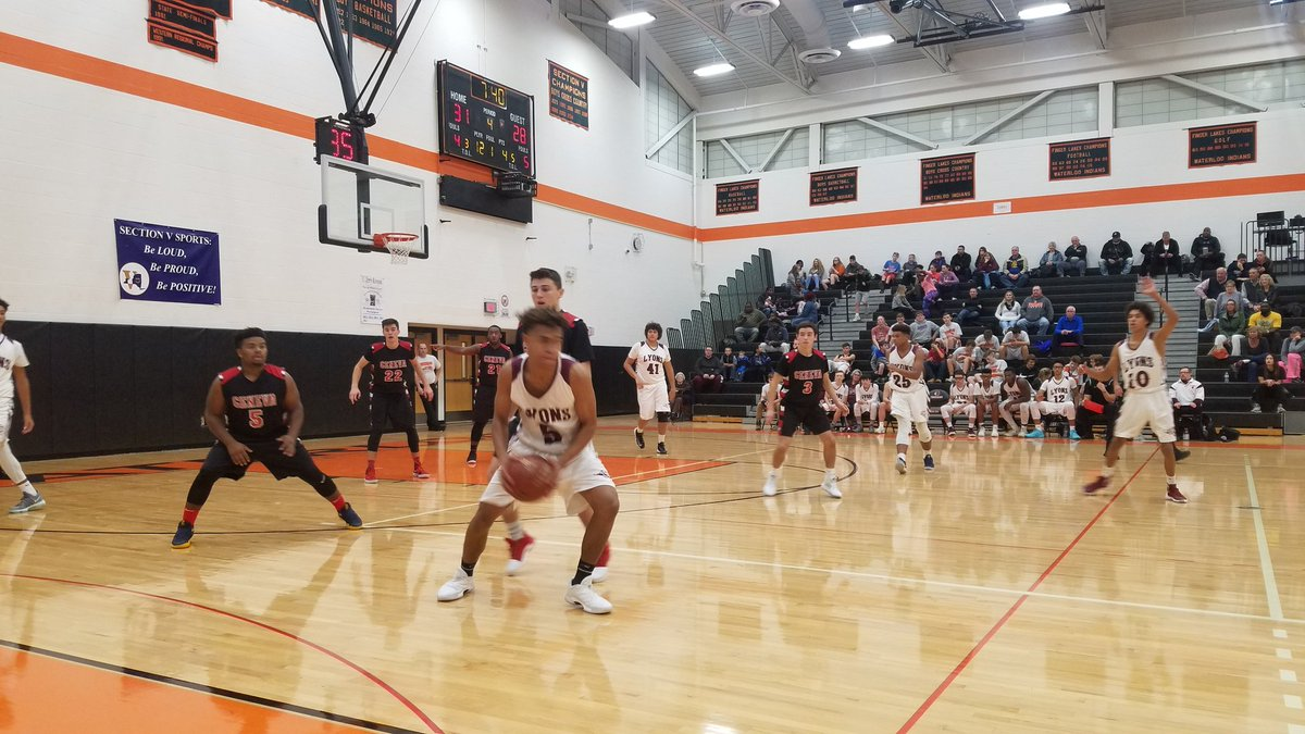 W-FL Monday: Hubbard buzzer beater lifts Waterloo over Wayne