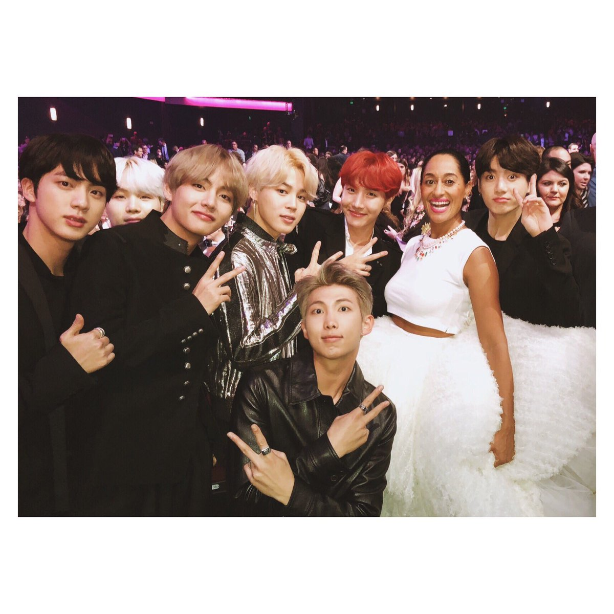 RT @TraceeEllisRoss: Got to meet @BTS_twt at the @AMAS! 😀#AMAs #FBF 📸: @CatieLaffoon https://t.co/Vt3lhiCIdL