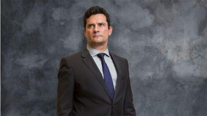 O juiz Sergio Moro foi o responsável por mandar para a cadeia em 2017 o ex-governador Sergio Cabral, o ex-presidente da Câmara Eduardo Cunha e os ex-ministros do PT José Dirceu e Antonio Palocci.  https://t.co/NNypFvOhpV condenou Lula e derrotou os barões da corrupção
