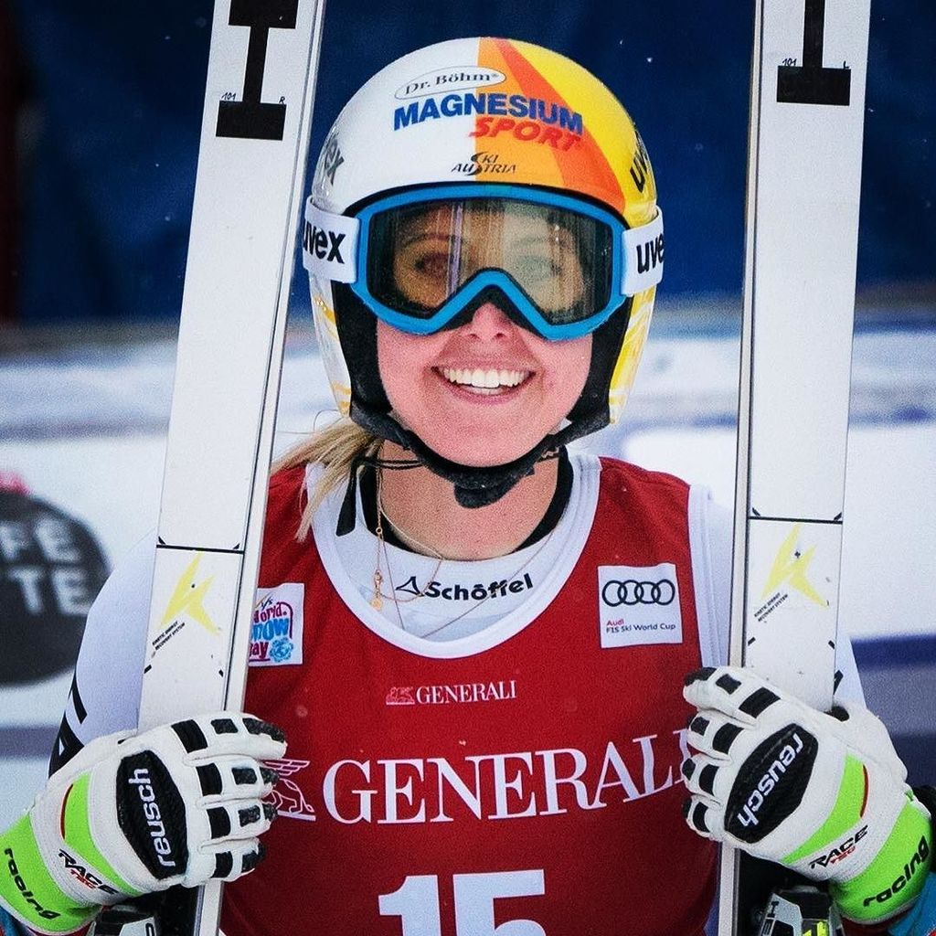 An excited Cornelia Huetter at the finish line of the 1st Women's World Cup Downhill Race of the year. Huetter won todays event. #connyhuetter #sonya9 #sony #a9 #sonyalpha #sonyphotogallery #alphauniverse #fis #alpineskiing #skiing #lakelouise #sonyimage… http://bitly.com/2nmQnAo