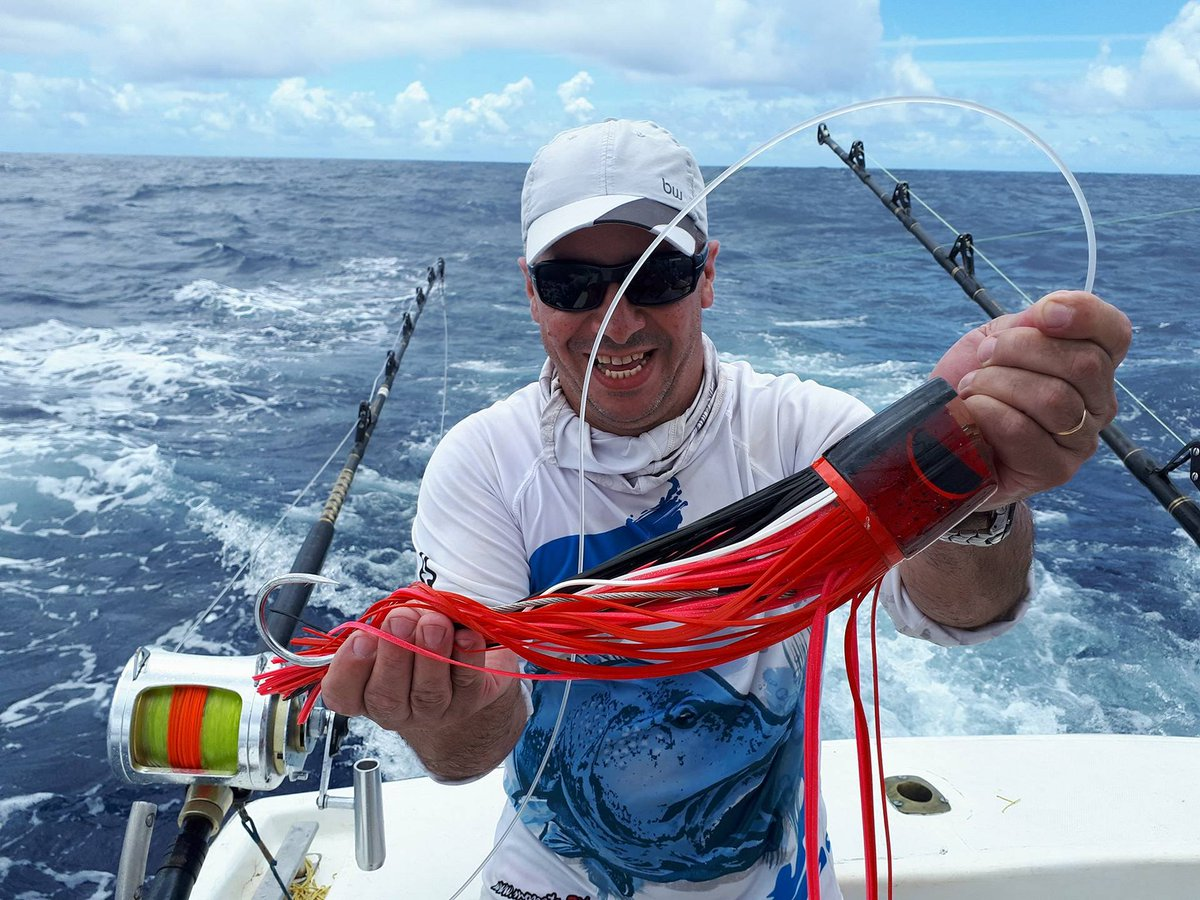Canavieiras, Brazil - Capt. Antonio Amaral on Wahoo went 2-2 on Blue Marlin (500) and 1-1 on White Marlin.