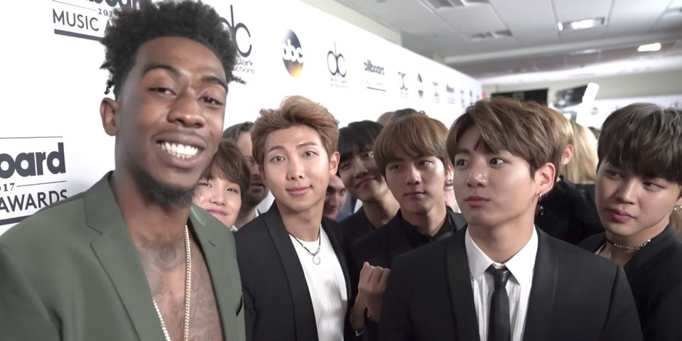 K-Pop boyband @BTS_twt collab with @LifeOfDesiigner just dropped & it goes way too hard:  https://t.co/nsWexCdW4R