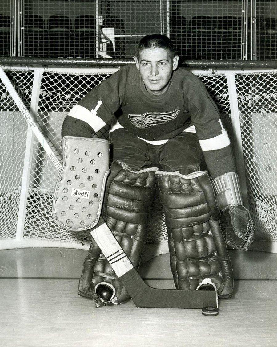 легендарный вратарь хоккея канады фото она обучалась