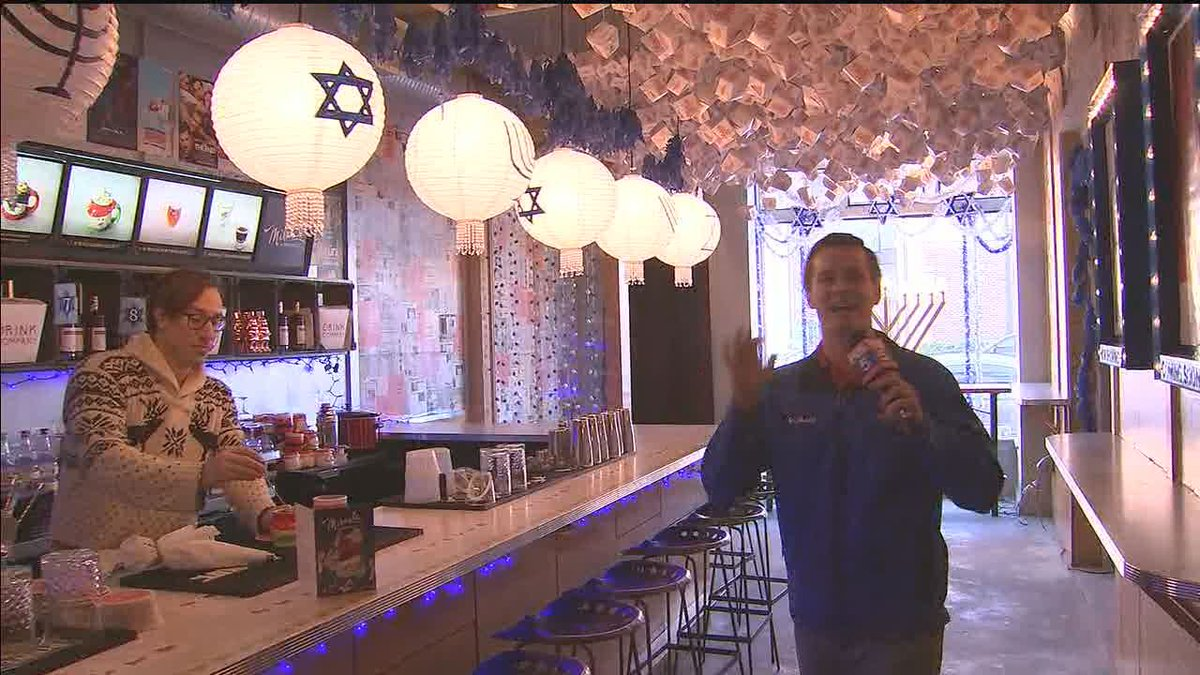 Dc Christmas Pop Up Bar.Fox 5 Dc On Twitter Miracle On 7th Street Pop Up Bar Opens