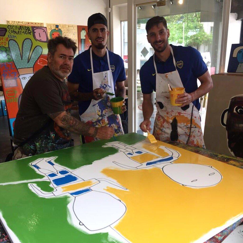 🎨👌 Una divertida experiencia junto al artista Milo Lockett y Junior Benítez. Preparamos el cuadro que se subastará el próximo jueves en la VI Cena Anual Solidaria. https://t.co/CUWnCHniFX