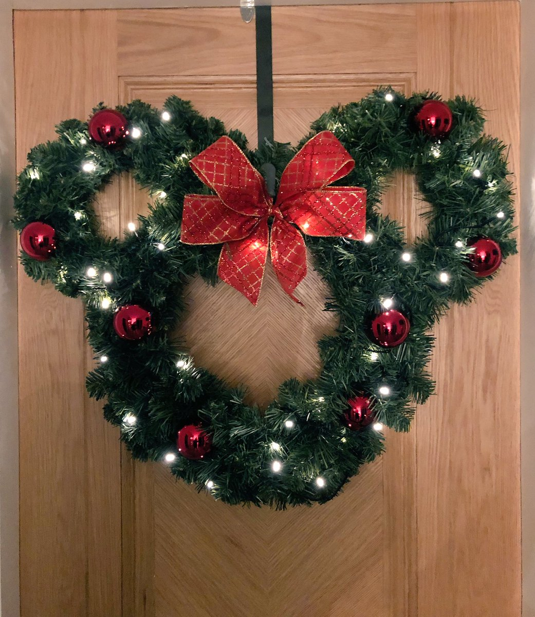 The Blooming Bud On Twitter Artificial Minnie Mouse Door Wreath Lovedisney Minniemouse Mickeymouse Wreath Christmas Xmas Flower Love Baubles Disney Florida Thebloomingbud Wardle Rochdale Https T Co Cg9jz9nl9a