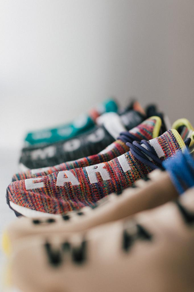 detailed look 66e98 3db8b StockX on Twitter: