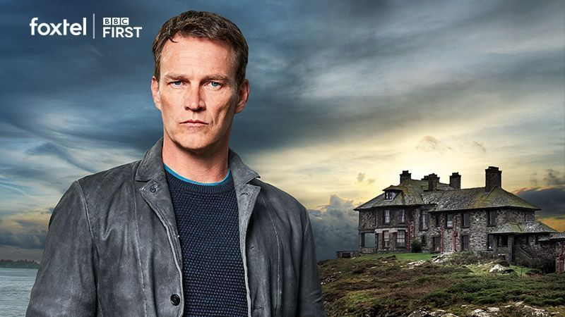 #TrueBlood star Stephen Moyer is on the hunt for a serial killer in new British murder mystery Safe House: The Crow  Here&#39;s all you need to know  https:// buff.ly/2A40tv0  &nbsp;    #SafeHouse @smoyer<br>http://pic.twitter.com/YeW5tUach5