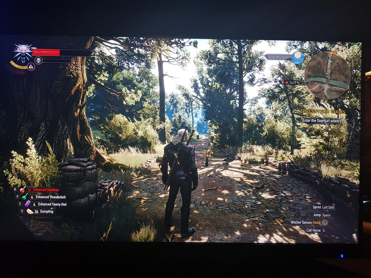 Almost 3years old, still gorgeous, 27&quot; 2560x1440 IPS! Photo from phonecamera. Thanks for this @CDPROJEKTRED #TheWitcher #GOTY #PCMasterRace<br>http://pic.twitter.com/Cu37yjCZyE