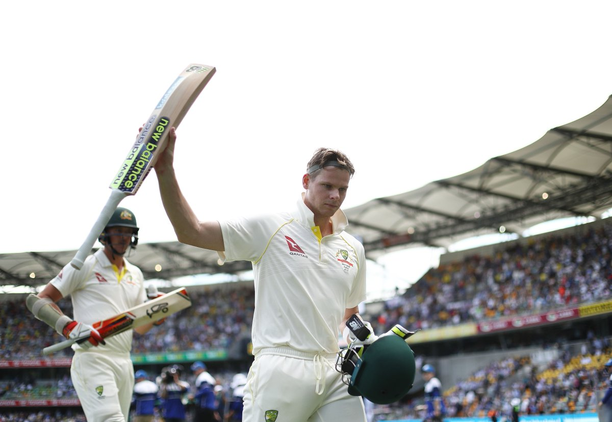 Ashes 2017/18: Watch: Mitchell Starc's Brutal Bouncer Shatters Joe Root's Helmet 1