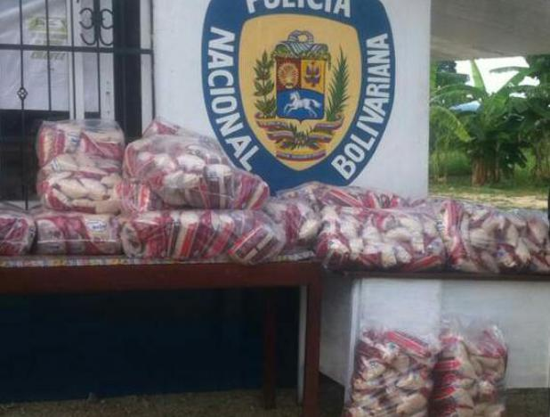 Mérida y Táchira: Incautados más de 600 kilos de alimentos (+detalles) https://t.co/FAFDL1ae0k #24Nov https://t.co/Asg0eiHOfH