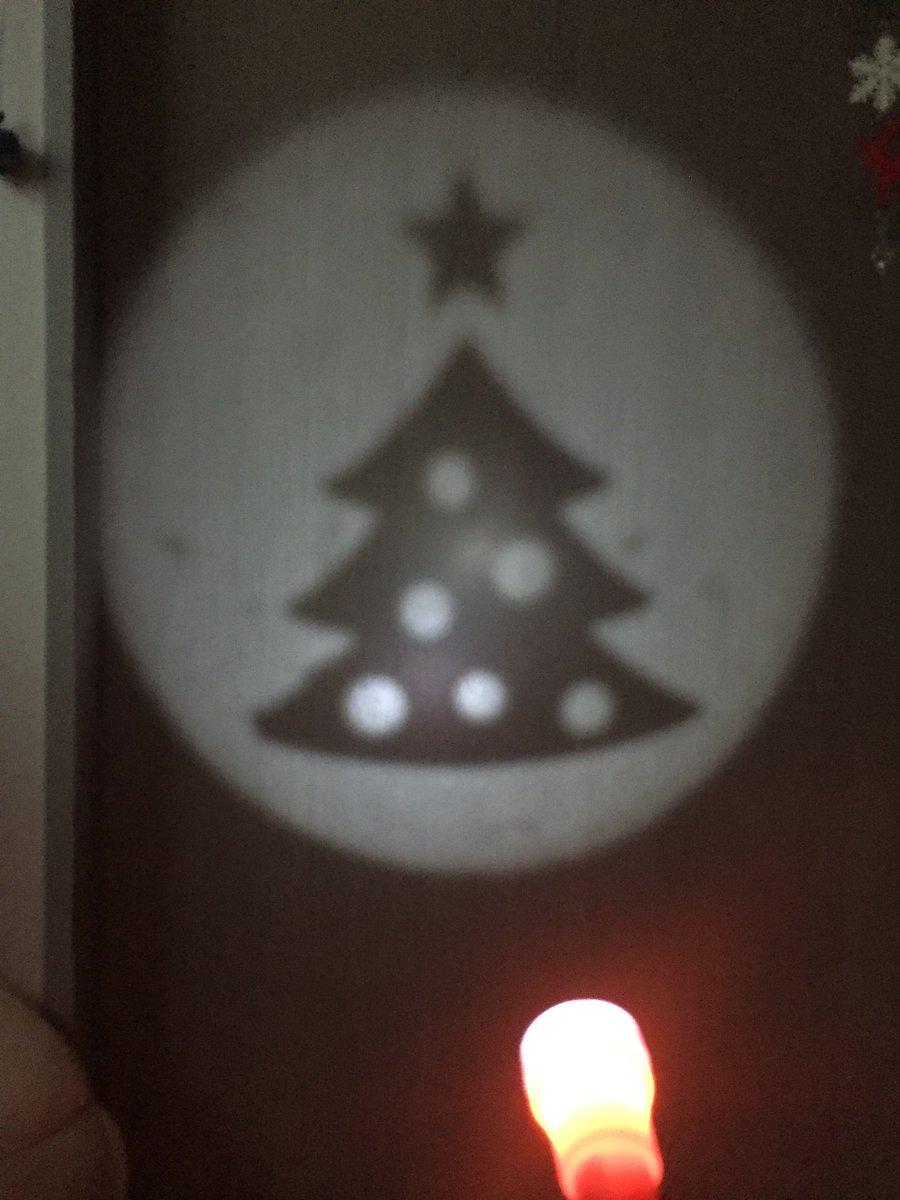 test ツイッターメディア - 去年はハロウィンライトを買ったのだが、今年はクリスマスハンディライトを買ってみた。#キャンドゥ  全5種類の交換レンズが入ってます!(*^^*)写真は3個だけね。(笑) https://t.co/iqg5dUzZwK