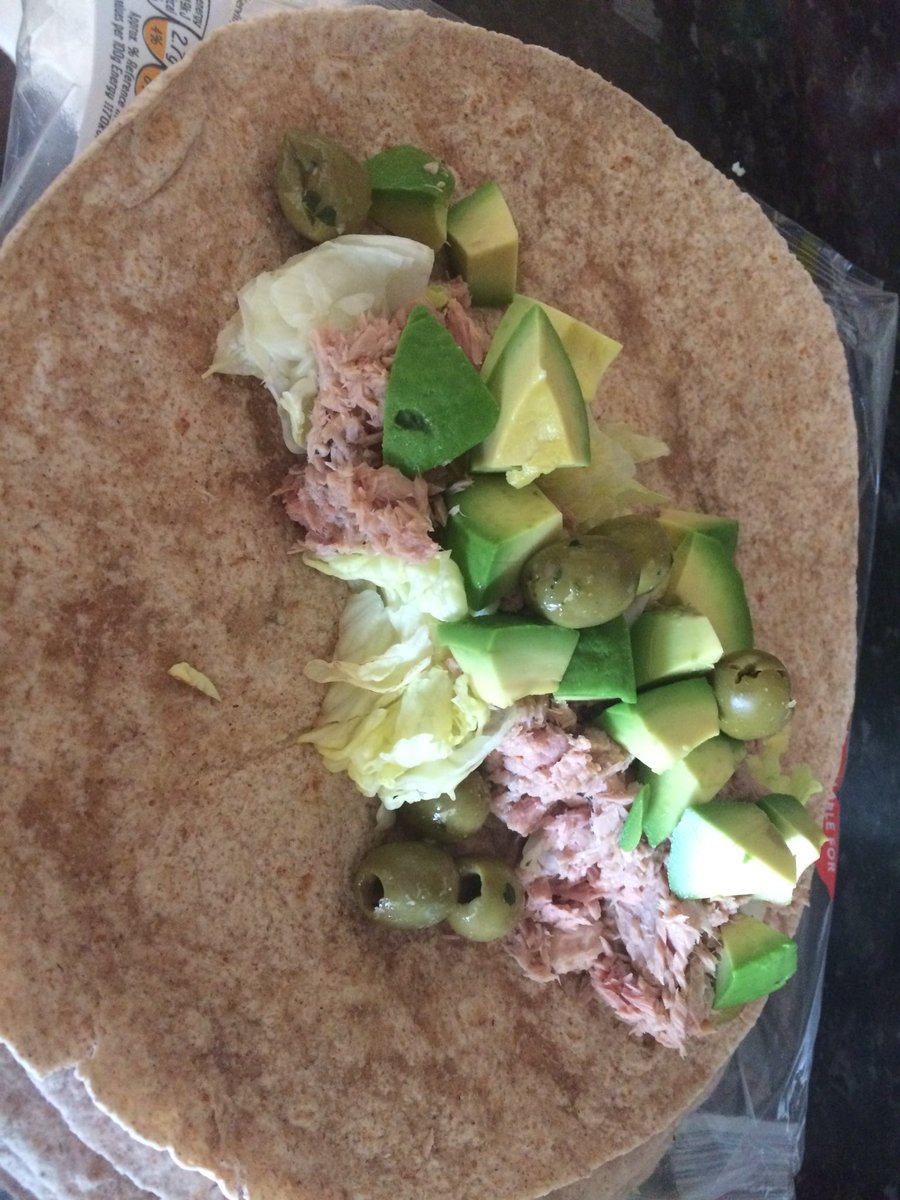 Monstrous healthy wrap for post-gym lunch #postgym #workout #fitness #nutrition #macros #pt #Cheltenham<br>http://pic.twitter.com/WYr2Zycsq2
