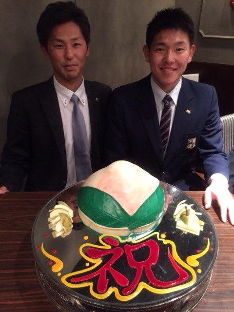 安田選手と下敷領悠太担当スカウト。(広報) #chibalotte