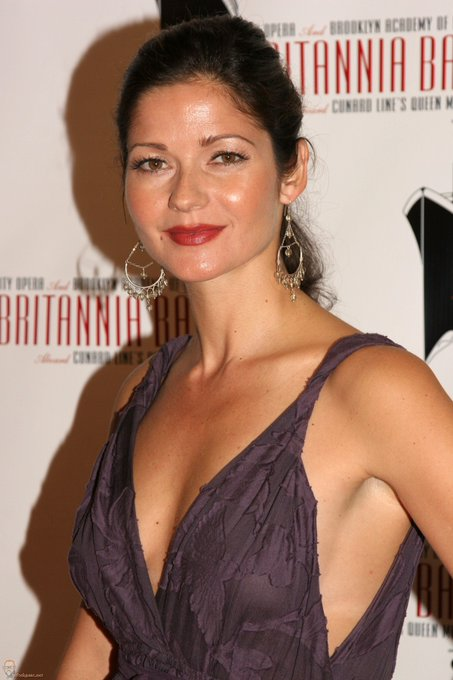 Happy Birthday to Jill Hennessy who turns 49 today!
