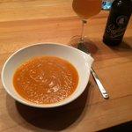 So, #lecker #Kürbissuppe und dazu ein Paulaner Zwickel… #aachen_kocht #schmackofatz #Bierchen