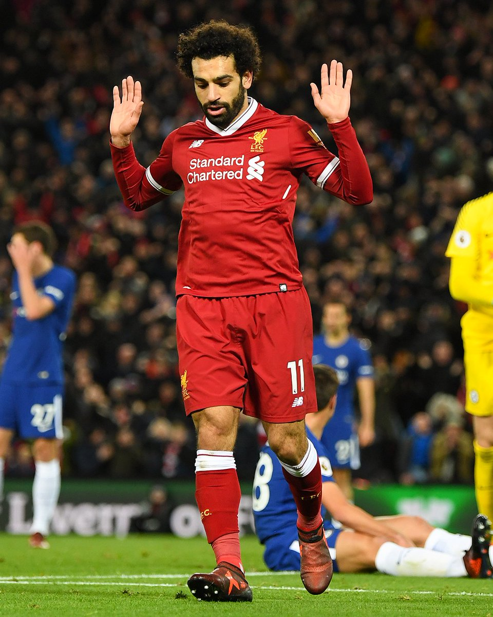 Mo Salah refuses to celebrate his goal out of respect for the victims of the Sinai mosque attack yesterday ❤️🇪🇬