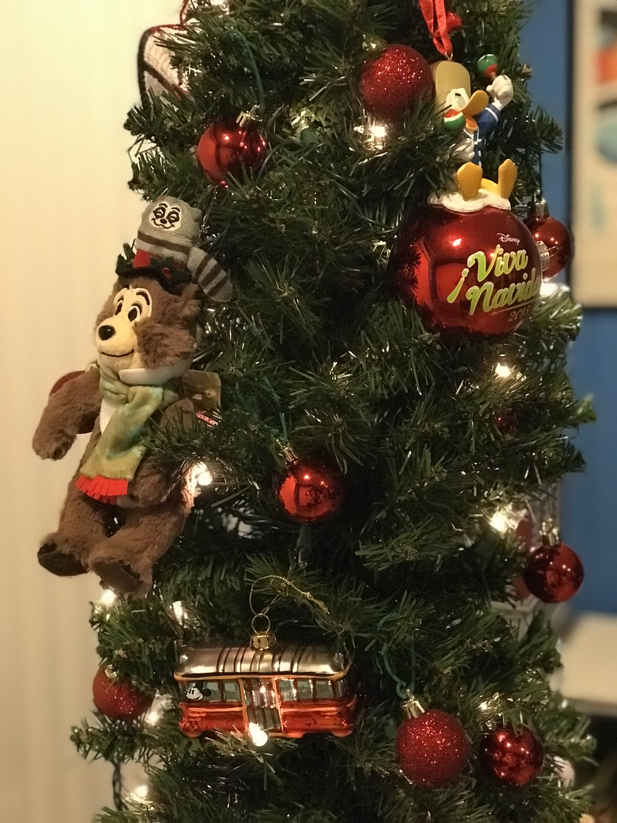Guy Selga On Twitter The Country Bears Are Well Represented On My Christmas Tree And A Dinosaur Tree Topper