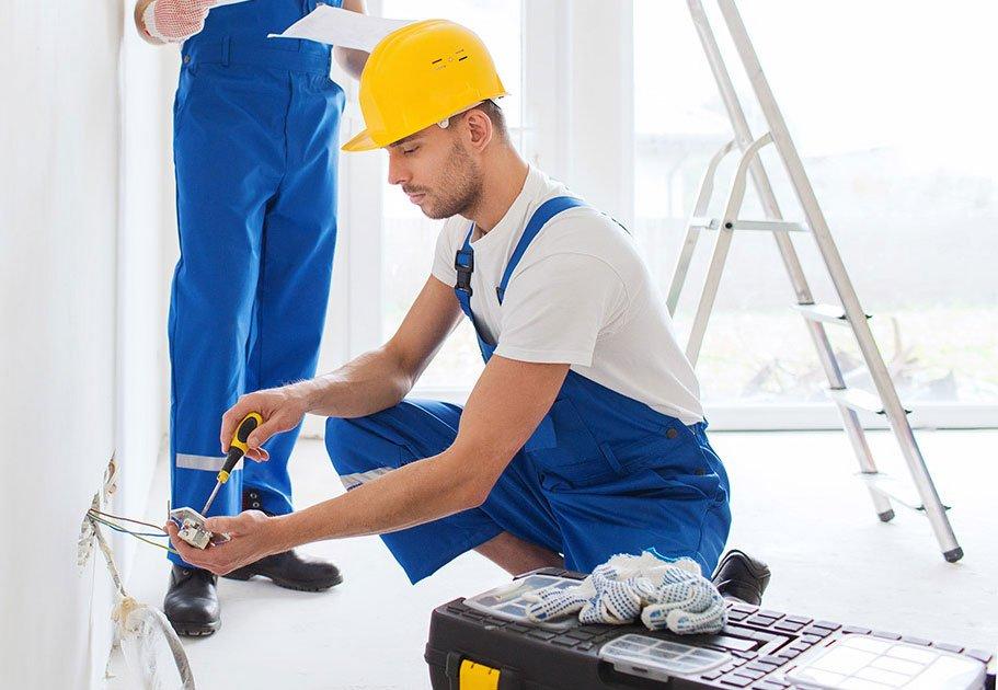 картинка мастер ремонт квартиры верхних