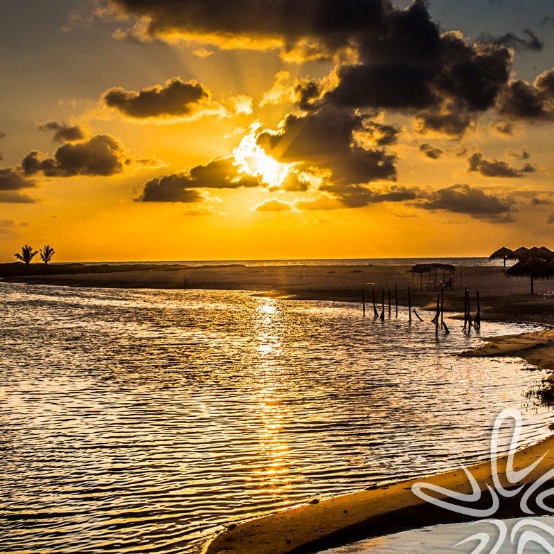Viajar apura os sentidos, abre os horizontes, pinta o mundo com novas cores e desafia os seus limites. #LitoralVerdeViagens #nature #paradise #travel #viajar #viajarépreciso #viajarfazbem https://t.co/v9hXoS5hjo
