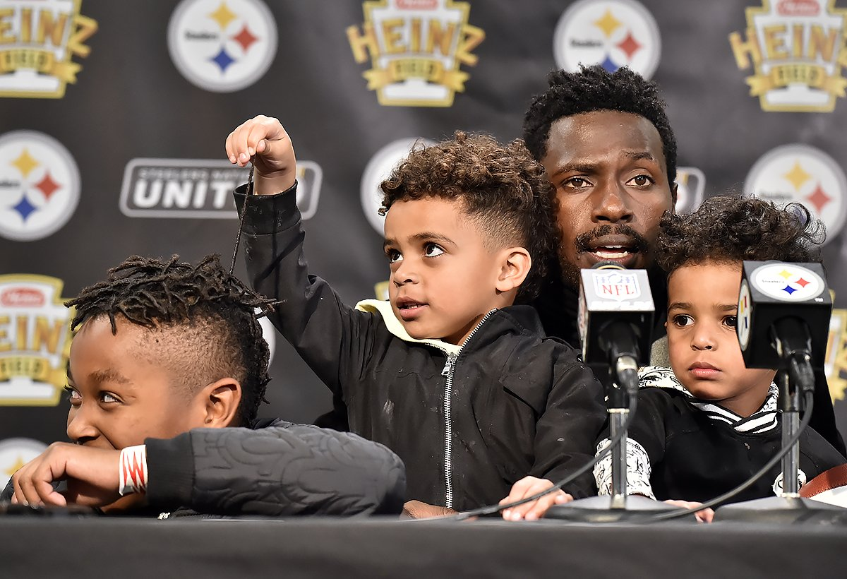 Matt Freed On Twitter Steelers Antonio Brown Gets A Little Help From His Children During His Post Game Press Conference Sunday Night