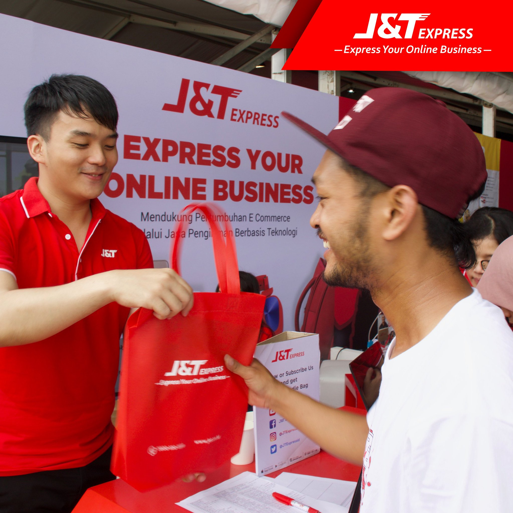 "J&T Express on Twitter ""Partisipasi J&T Express pada acara Kopdar Akbar Bukalapak 2017 di Lapangan Wisma Aldiron Pancoran Jakarta Selatan"
