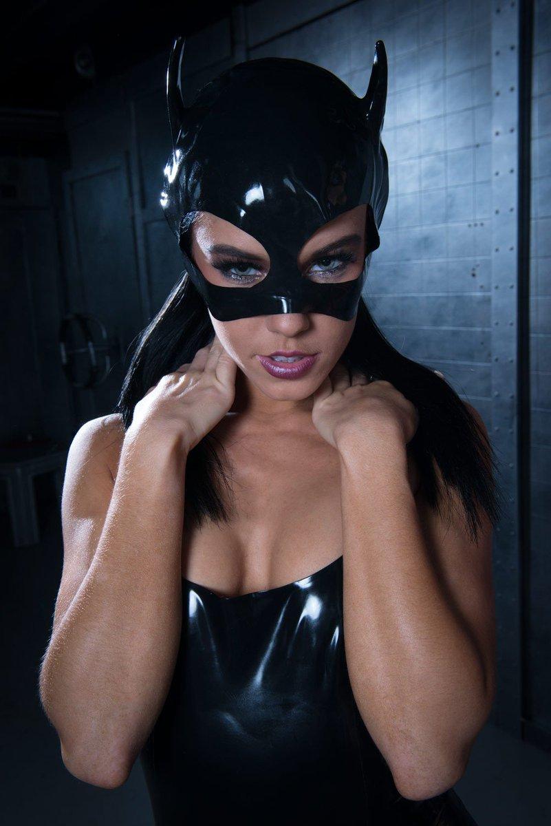 was sind milfs catwoman kostüm latex
