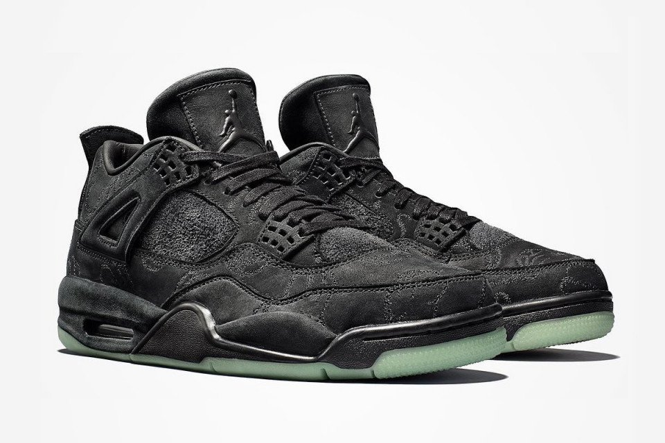 """Here's how to cop the #KAWS x Air Jordan IV """"Black,"""" dropping today:   https://t.co/GYBLsN73hL"""