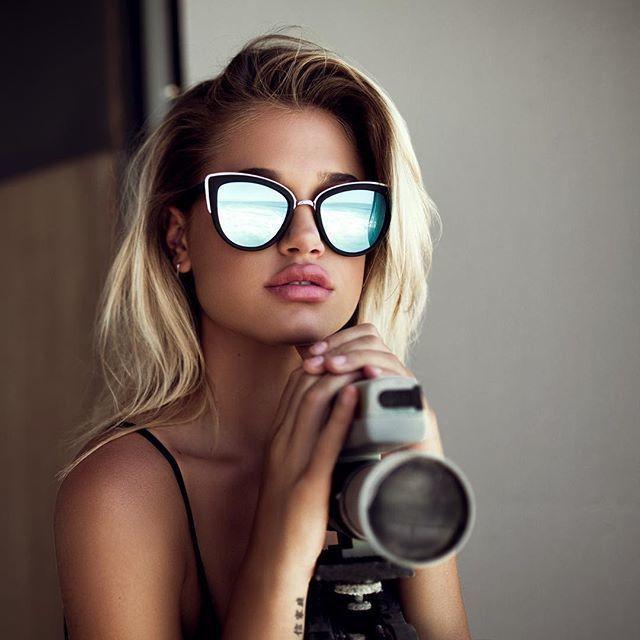 c2df28a5d0 Monture noir mat - argent   Verres prune avec effet miroir bleu  Visionet   lunettesdesoleil  lunettes  look  lookoftheday  outfitoftheday  sunglasses   style ...