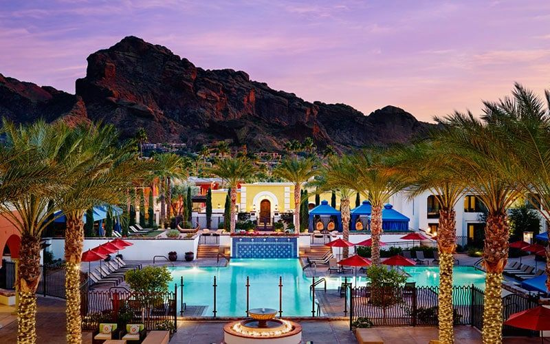 For a romantic getaway, I recommend @OmniMontelucia in #Scottsdale where you can leave your troubles behind. https://t.co/zmFsjLcEbW #Arizona #Travel https://t.co/JMDVvoUpnM