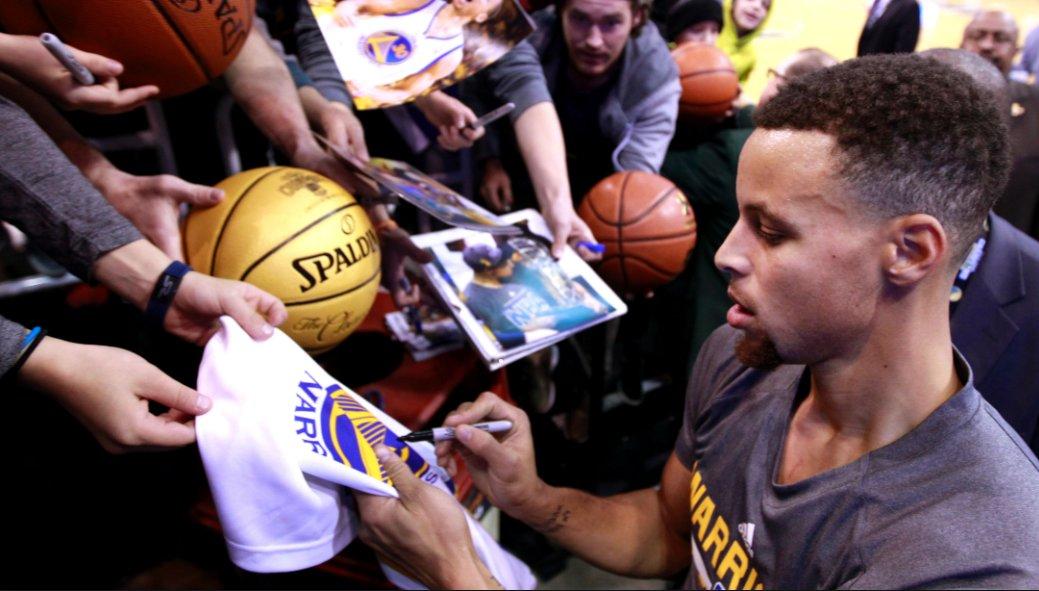 【影片】被批無視小球迷!Curry妻子回應:他當時在觀眾中找人的