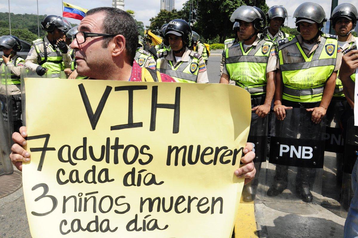 [ESPECIAL] Crisis de salud genera un holocausto en Venezuela | Por Daniela León https://t.co/Mv4rWI3304  https://t.co/n4eXNHIJJq --