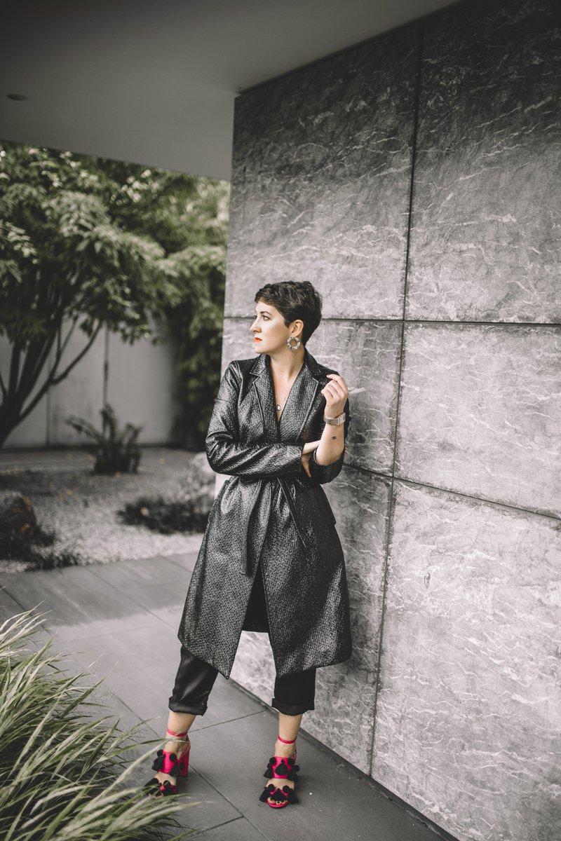   ENLIST.ed   @girlstolelondon Lauren Mahon styles the Glazed Belle Trench Coat. Read more for style & Inspiration - https://t.co/gcJgj2a1Ww https://t.co/zvftROHDkD