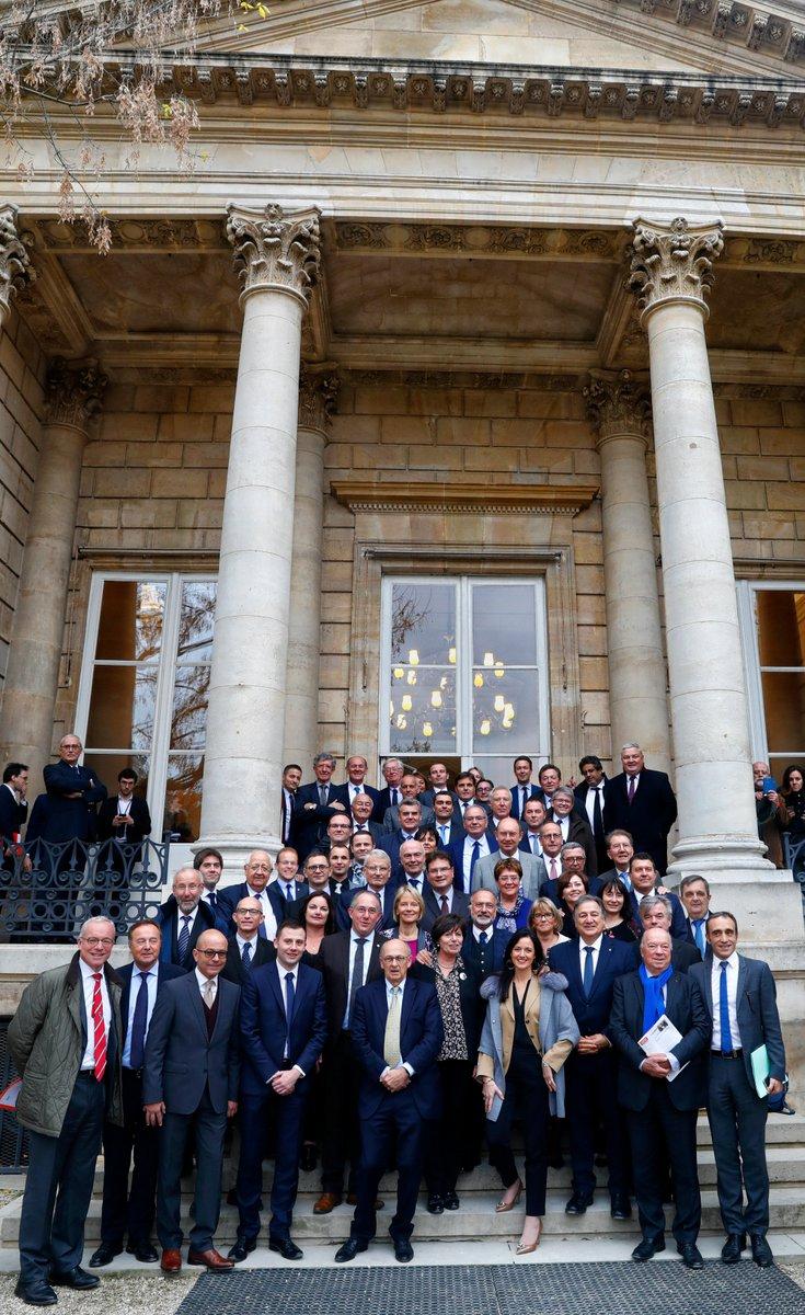 Fier d'être membre de #GEEA ! merci @ODassault pour ton engagement à créer un climat légal et fiscal positif pour nos entrepreneurs et pour l'emploi en France ! #DirectANpic.twitter.com/MbAYC9HkjE
