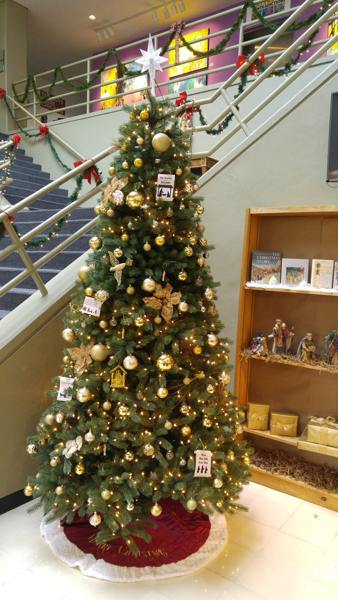 stu library on twitter christmas decorations are up stulibrary stulibrary stumiami - Library Christmas Decorations