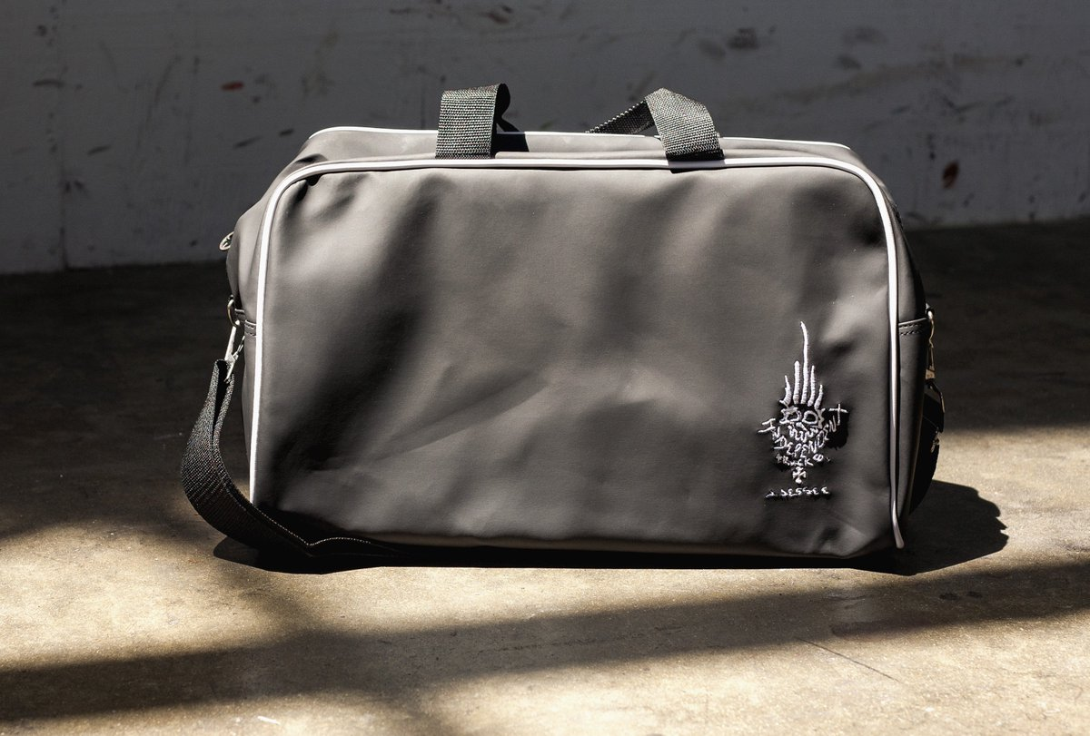 Nhs Fun Factory On Twitter Modeled Straight Off Of Jason Jessee S Personal Get Out Town Quick Bag This Features Matte Finish Pvc Contrast