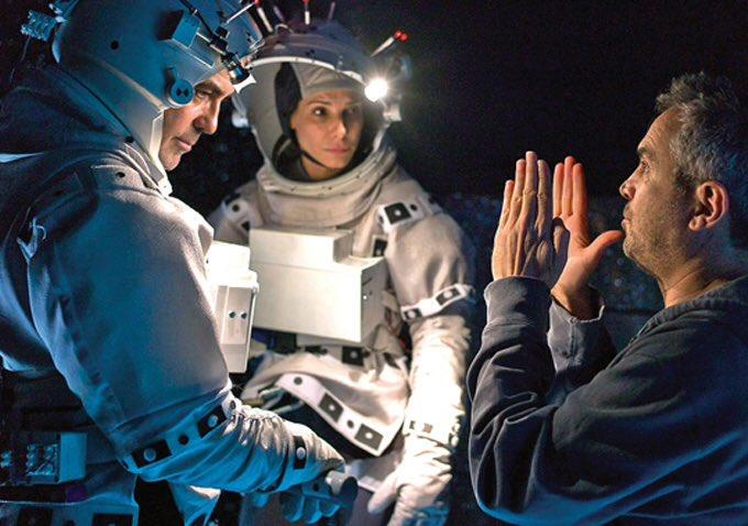 Sandra Bullock Reveals What George Clooney Is Like in Private DPvWkJcXUAA7IMp?format=jpg&name=900x900