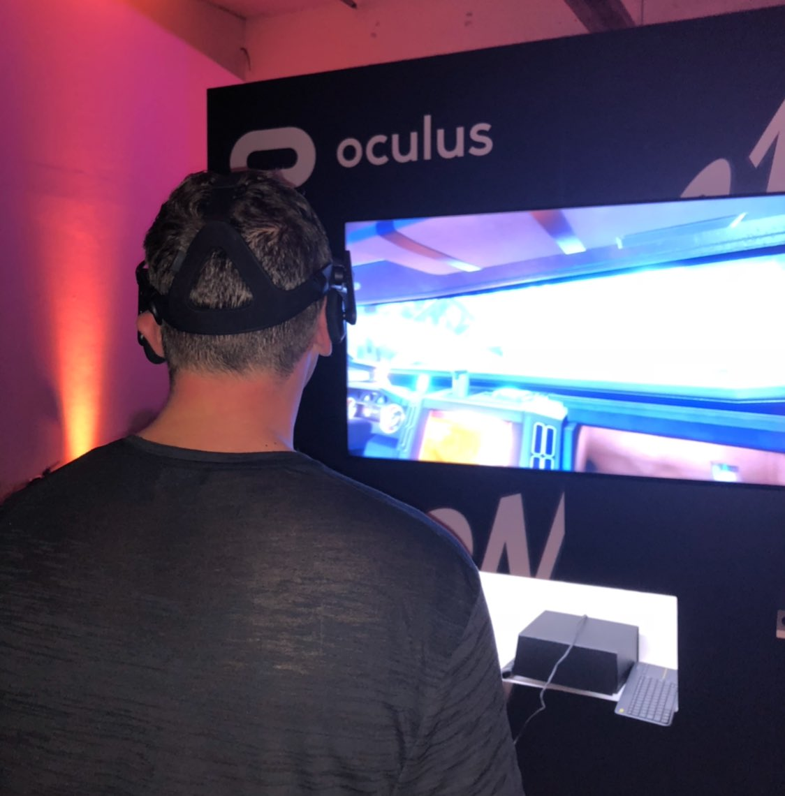 Freaked out by the VR! In a good way  😂  #OculusRift @OculusRift https://t.co/uhN8RgUzj8