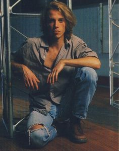 Happy birthday to one of the coolest drummers I\ve ever listened to, Soundgarden and Pearl Jam\s Matt Cameron!
