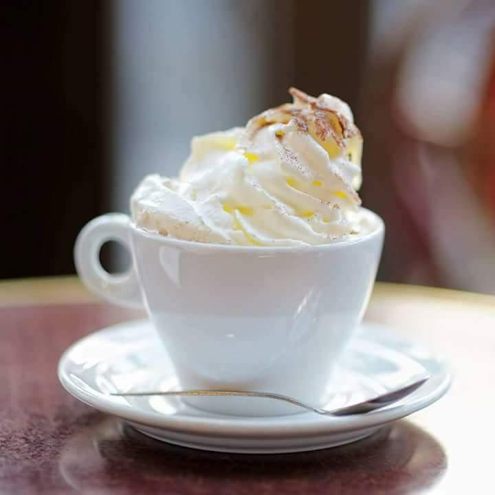 Caffè con panna