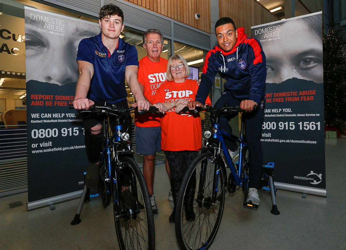 30 people, inc Wakefield Trinity's Jordan Crowther & Reece Lyne, cycled over 500km on Monday as part of our 16 Days of Action camapign against domestic abuse https://goo.gl/TihvWq #BeFreeFromFear