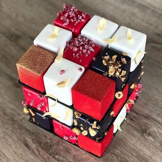 ルービックキューブ型 モダンケーキ ひとつで色とりどりの 味わい