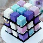 ルービックキューブ型モダンケーキひとつで色とりどりの味わい pic.twitter.com/tGIl…