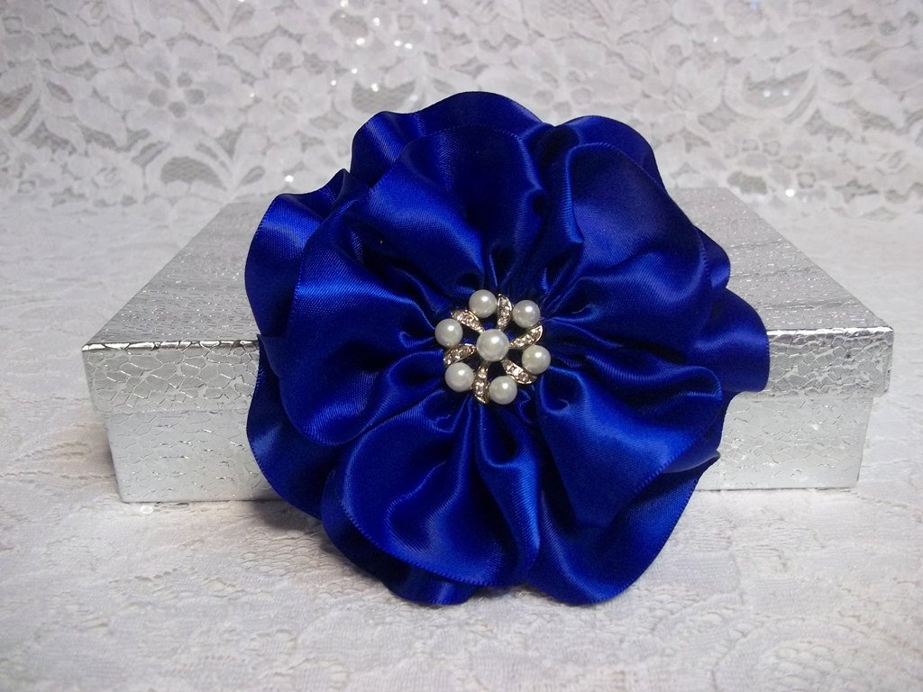 All a heart desires on twitter royal blue wedding hair flower royal blue wedding hair flower hair flower clip royal blue satin f httpetsy2gfskfy etsy weddinghairclippicitterciqzaouyuc izmirmasajfo