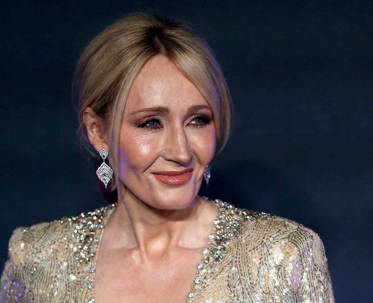 J.K. Rowling pokes fun at Roy Moore: God is a black woman https://t.co/6iGmyv3YK1
