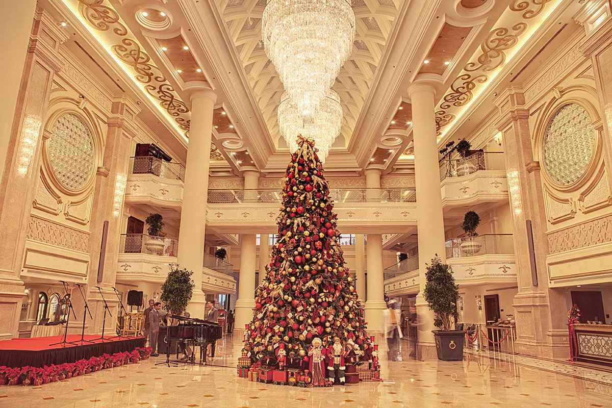 Majestic Christmas.The Ritz Carlton On Twitter A Majestic Christmas Tree