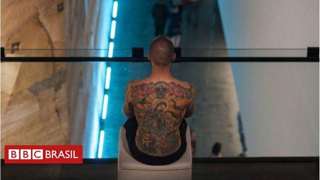 #ArquivoBBC O homem cuja pele vai virar quadro quando morrer https://t.co/SEjrKG3SnM
