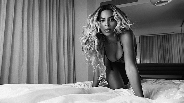 BEYONCE RELEASED HER SELF-TITLED SURPRISE ALBUM 4 YEARS AGO TODAY https://t.co/9UNaBwYwHF