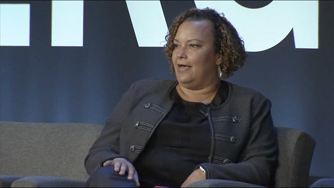 @LisaPJackson details #iPhone8, #iPhoneX environmentally friendly design, more in interview https://t.co/zJJm77UXvq